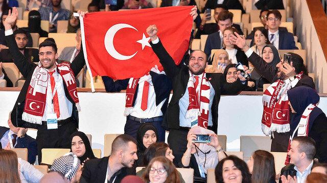 في مناظرات قطر الدولية.. طلاب أتراك يفوزون بالمركز الثالث