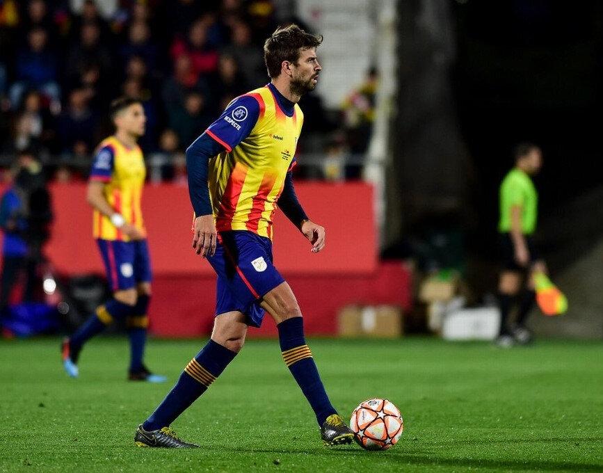 Pique, Katalonya forması ile Venezuela maçında ilk 11'de forma giydi.