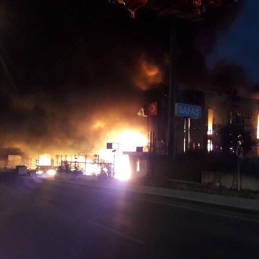 Kocaeli'de sünger fabrikasında yangın çıktı