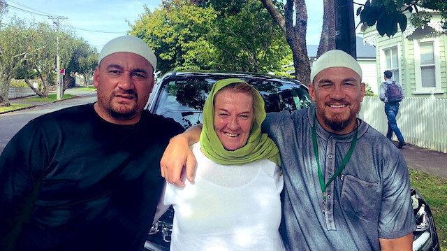 Yeni Zelandalı sporcunun annesi ve arkadaşı Müslüman oldu