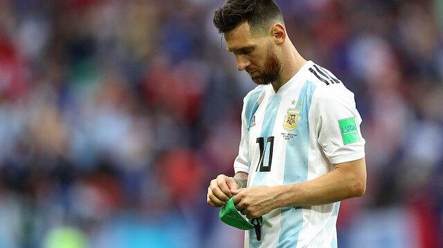 ميسي: ابني أخبرني أنهم سيقتلونني إذا عدت إلى الأرجنتين ما القصة؟