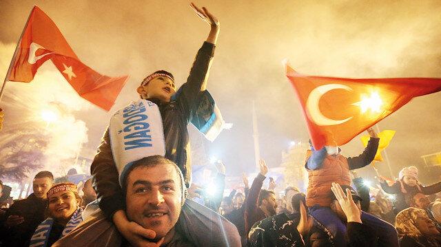 16 büyükşehir AK Parti'nin