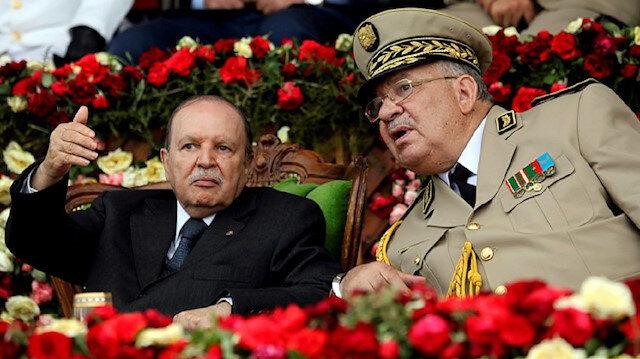Cezayir'de 20 yıllık dikta dönemi sona erdi: Buteflika istifasını verdi