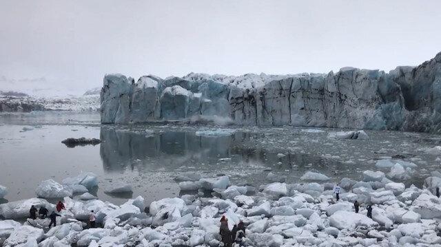 Devasa buzul kırıldı turistler son anda kurtuldu