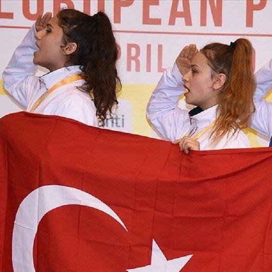 أردوغان يهنئ منتخب تركيا للإناث بفوزه بذهبية ببطولة أوروبا للتايكوندو