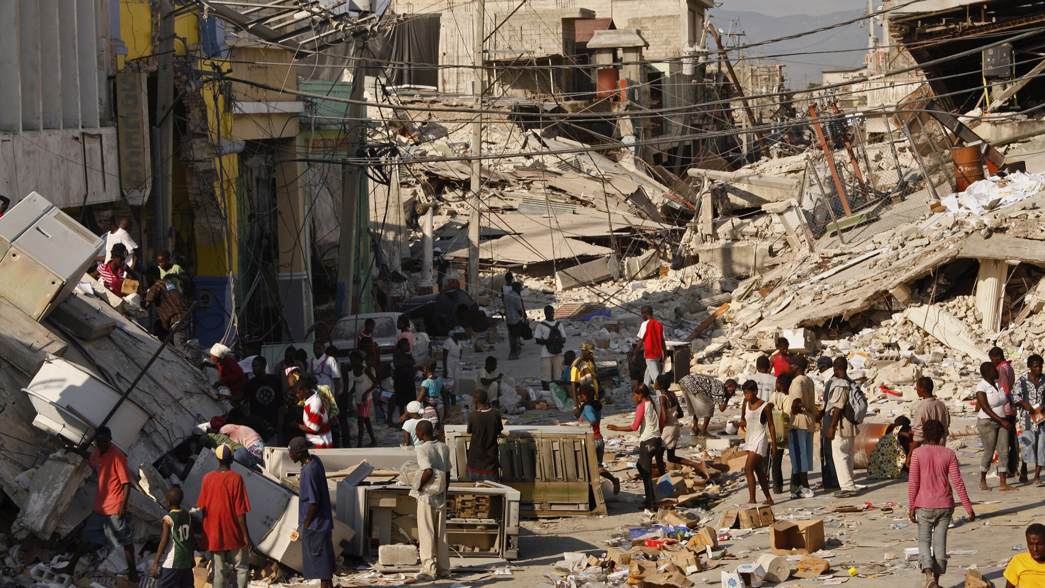 devastating earthquake ravaged haiti - 955×637