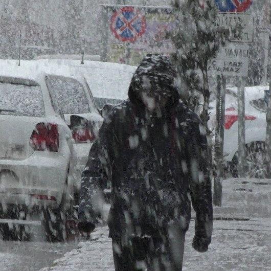 Ardahan'da kar yağışı etkili oluyor