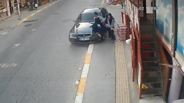 Kız öğrenciye çarpıp arkasına bile bakmadan kaçtı