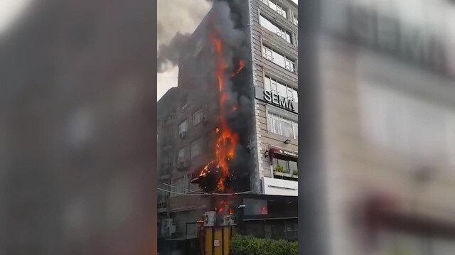 Fatihte restoran bacasında yangın