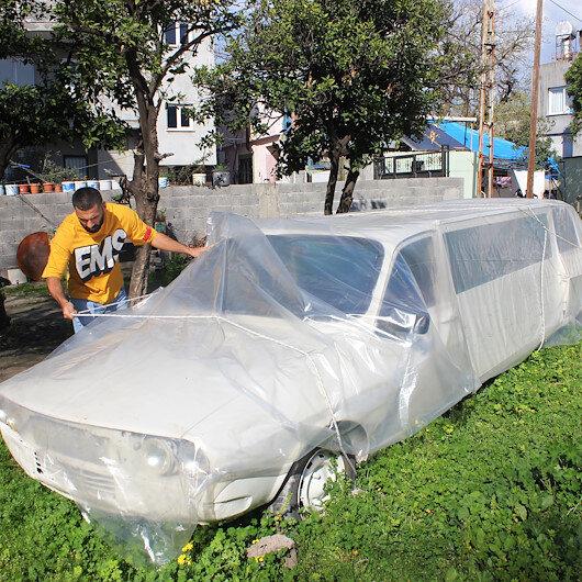 """من أجل حفل زفافه.. مواطن تركي يحول سيارة قديمة الى """"ليموزين"""""""