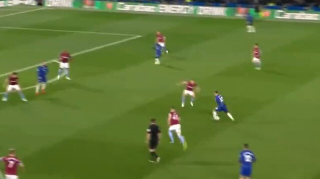 Eden Hazarddan Messi golü