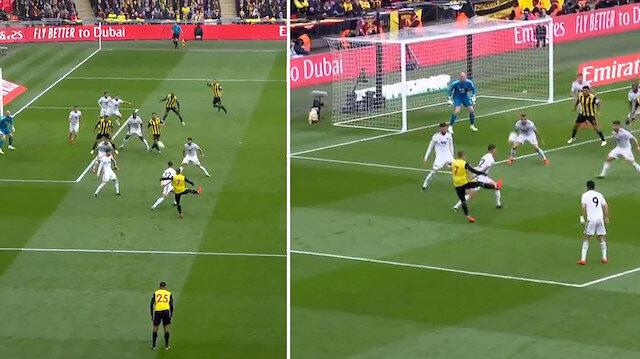İngiltere Gerard Deulofeunun golünü konuşuyor