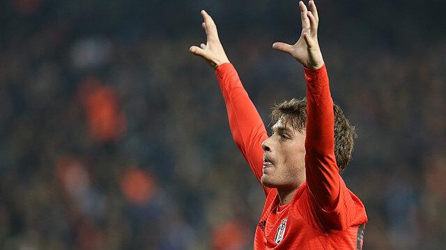 Adem Ljajic, Beşiktaş formasıyla çıktığı 25 resmi maçta 7 gol atarken 10 da asist yaptı.