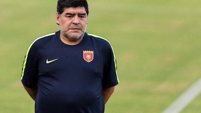 غرامة على مارادونا بسبب إهداء فوز فريقه لرئيس هذا الدولة