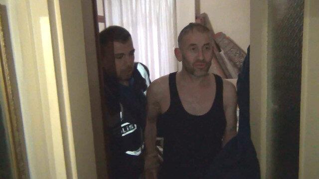 Annesinin evinde saklanan hırsız kapının arkasında bulundu