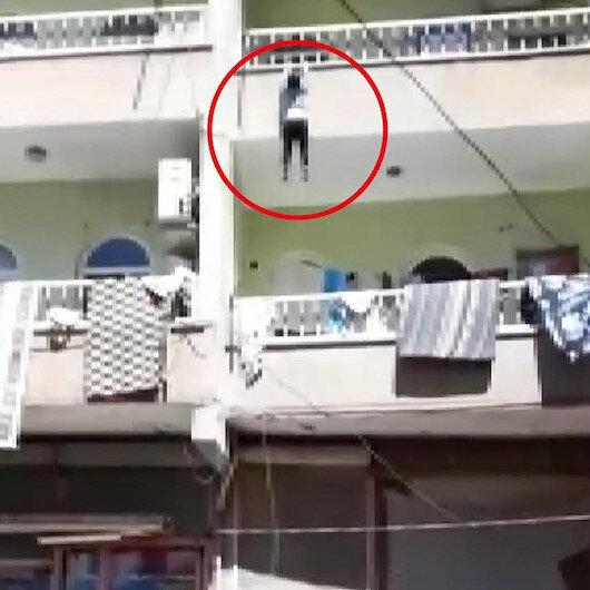Şanlıurfada balkondan düşen çocuğu havada yakaladılar