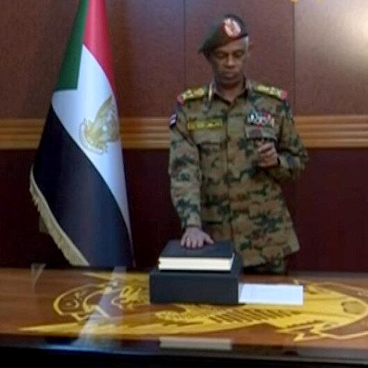 Sudan Savunma Bakanı Avf görevinden ayrıldı