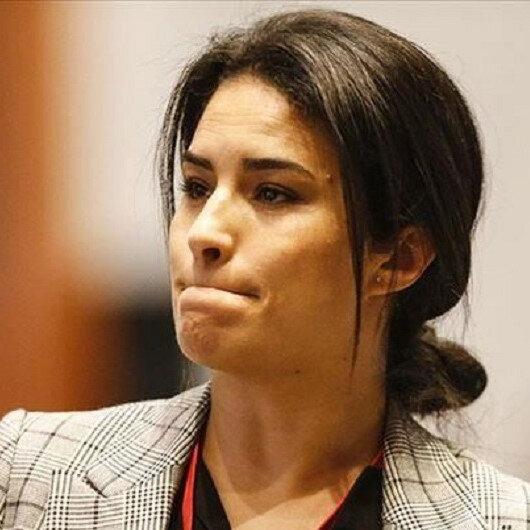 البرلمانية الفرنسية كريمي تتوهم حظر تشاووش أوغلو لها على تويتر