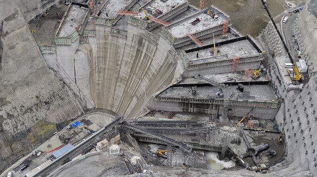 Türkiyenin en yüksek baraj inşaatında 85 metre gövdeye ulaşıldı
