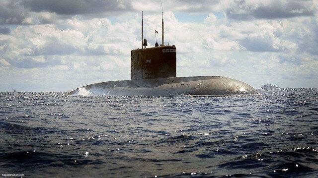 1,2 milyar dolara 3 denizaltı alacak