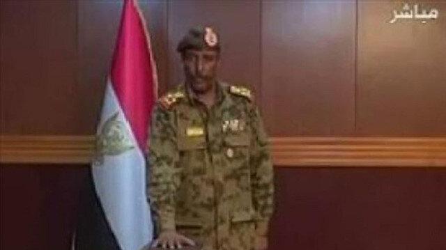 """""""البرهان"""" يؤدي اليمين رئيسا لـ""""العسكري الانتقالي"""" في السودان"""