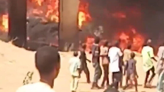 Kazaya yakıt tankeri ve kamyon karıştı: 11 kişi öldü