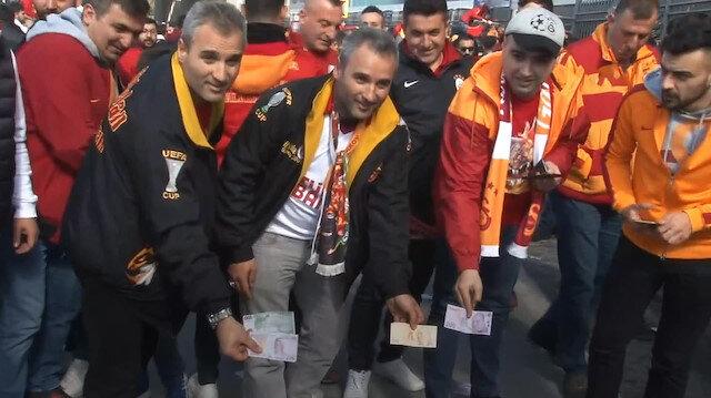 Stada gelen Galatasaray taraftarından gönderme
