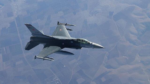 """مقاتلات تركية تدمر مواقع لإرهابيي """"بي كا كا"""" شمالي العراق"""