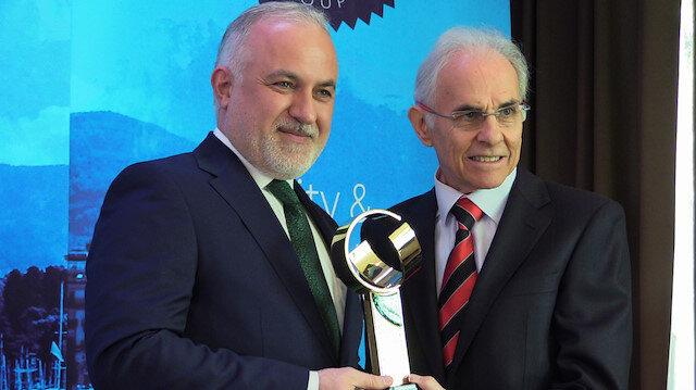 مساعدات وصلت 24 مليون شخصًا.. الهلال الأحمر التركي يفوز بجائزة دولية