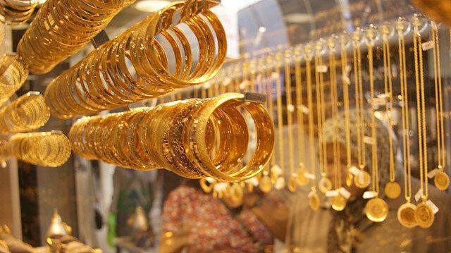 Gram altın 240 liranın üzerinde seyrediyor.