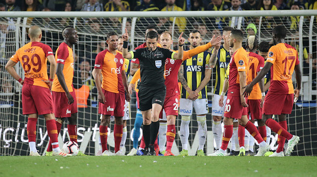 Galatasaray'da Feghouli ve Semih Kaya sakatlandı