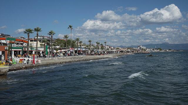 Balıkesir'in Edremit Körfezi ile Erdek ilçesi, Marmara ve Avşa adalarındaki otellerde 20-23 Nisan'a yönelik rezervasyonlarda hareketlilik yaşanıyor.