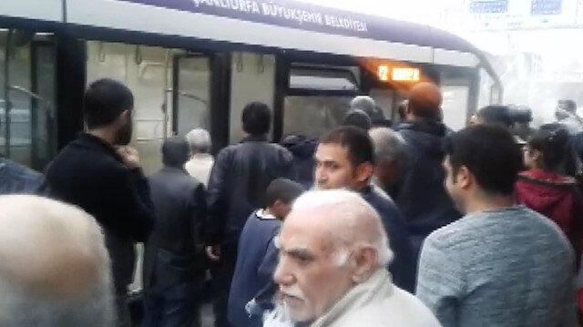 Duman altında kalan otobüste yolcular nefessiz kaldı