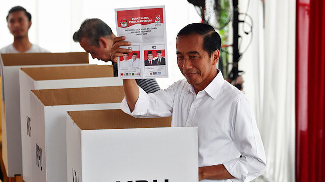 Endonezya'da devlet başkanı Widodo yeniden seçildi