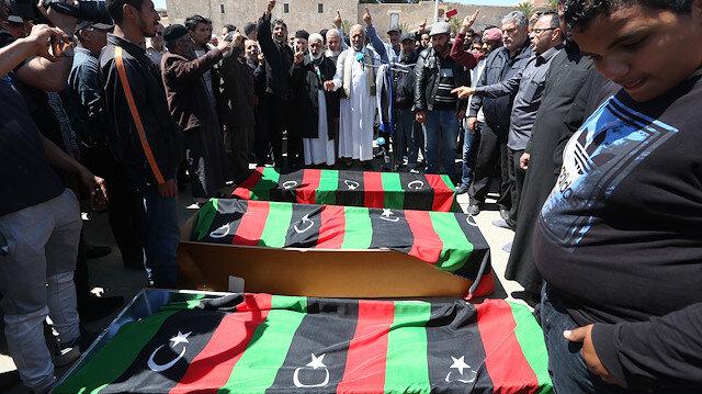 Arşiv: Libya'da General Halife Hafter'e bağlı güçleri başkent Trablus'un Ebu Selim bölgesine roket saldırısı gerçekleştirdi.