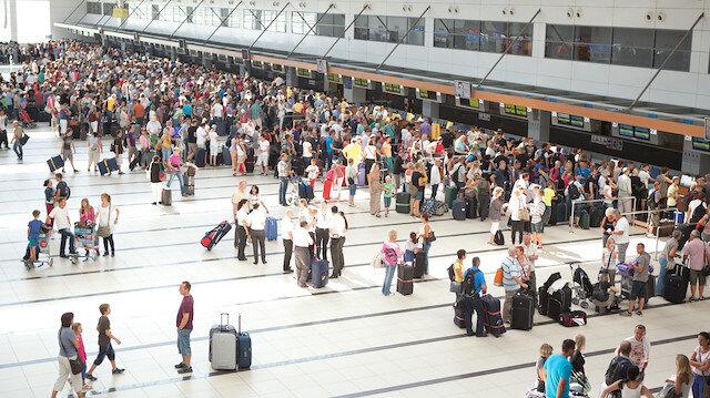 Rus, Alman ve İngiliz turistler akın ediyor: Yeni rekor kırıldı