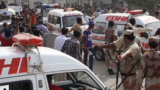Silahlı saldırganlar yolcu otobüsünü durdurup, 14 kişiyi vurarak öldürdü.