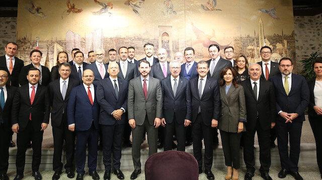 Hazine ve Maliye Bakanı Berat Albayrak, toplantıya ilişkin fotoğraf paylaştı