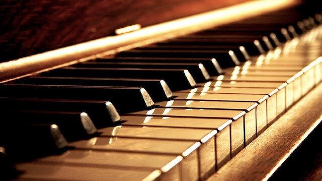 3 yaşında çalmaya başladığı piyanoyla 4 yaşında ödül aldı