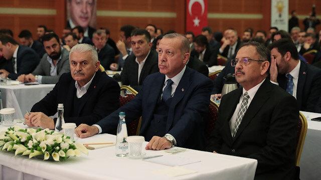 Cumhurbaşkanı Erdoğan kurmaylarıyla seçim değerlendirmesi yaptı