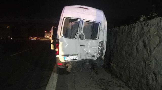 Bursaspor taraftarını taşıyan minibüs kaza yaptı