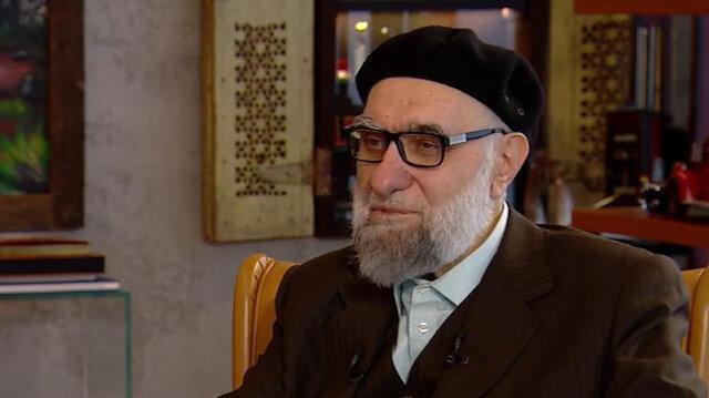 Hattat Hasan Çelebi Çamlıca Camii'nin hatlarını anlattı