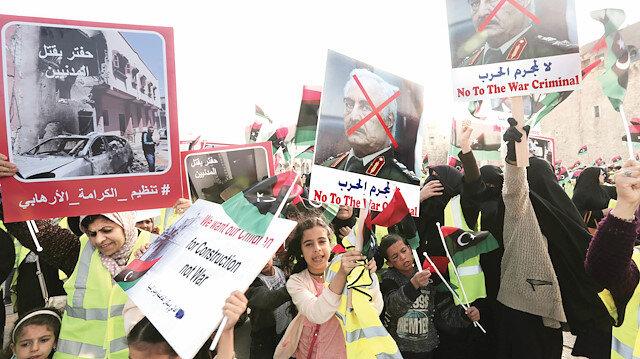 Ellerinizi Libya'dan çekin