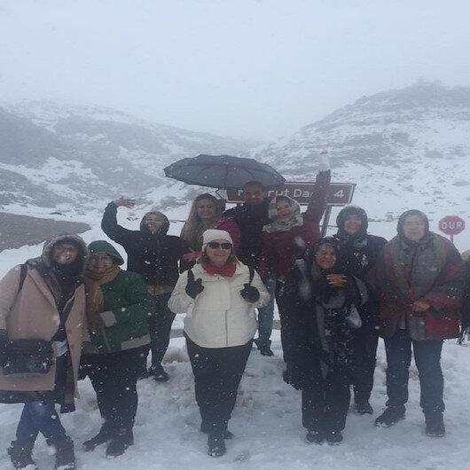 Nemrut Dağı'na kar engeli: 40 araçlık konvoy geri döndü