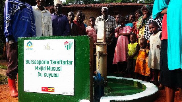 Bursaspor taraftarı Uganda'da 'bir yudum su' oldu