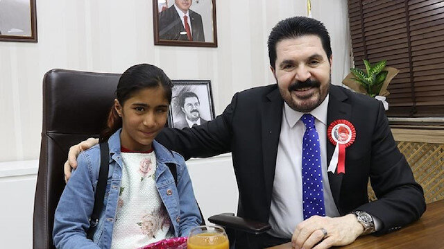 بعيد الطفولة التركي... طفلة سورية رئيسةً لبلدية ولاية أغري