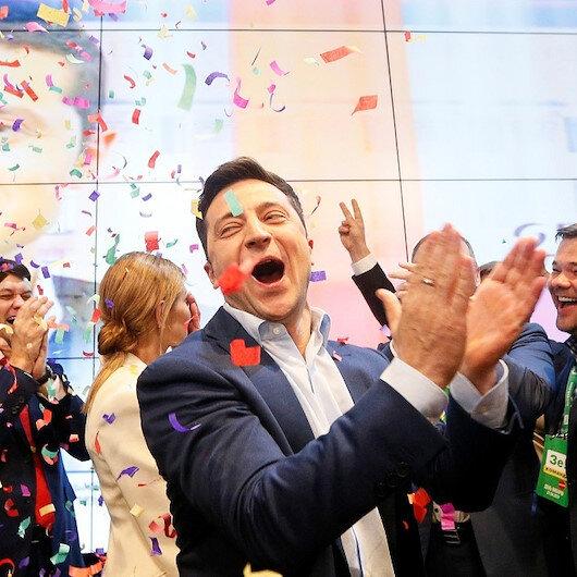 """فلاديمير زيلينسكي.. """"ممثل"""" دور الرئيس يحكم أوكرانيا من هو؟"""