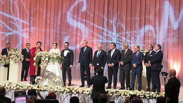 Çiftin nikah törenine Cumhurbaşkanı Erdoğan, Binali Yıldırım ve daha birçok önemli isim katıldı.