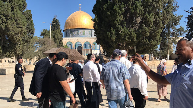 Scores of Jewish settlers storm Al-Aqsa for Passover