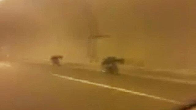 Yatarak yarış yapan motosikletliler korkuttu